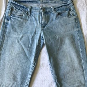 7 For All Mankind baby blue jeans. Size 29
